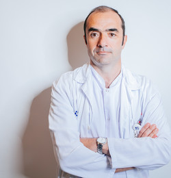Médico destacado - Enrique Artozki doktorea